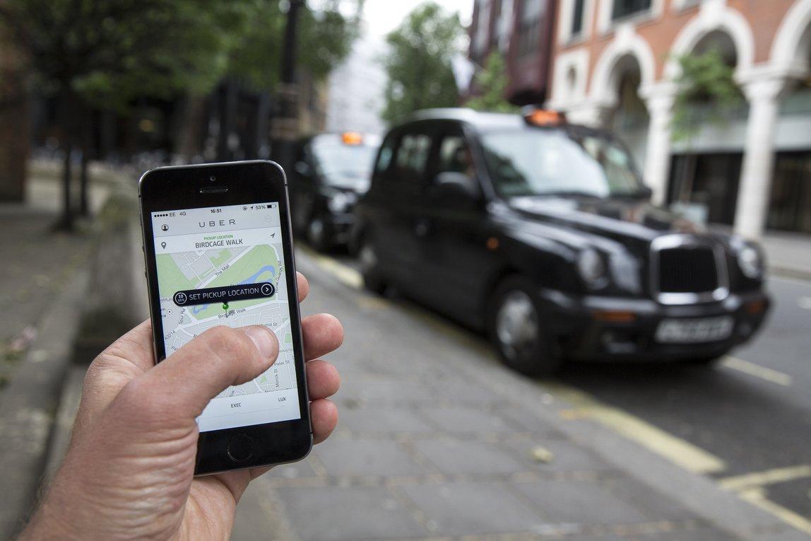 Bergabung Dengan Penyedia Layanan Taksi Berbasis Aplikasi