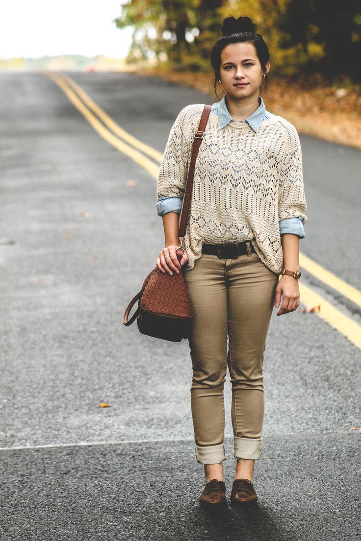 Padukan Sweater Saat Musim Hujan