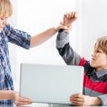 Teknologi Boleh Canggih, Tapi 18 Tips Bijak Ini Bisa Menjaga Keharmonisan dalam Keluargamu, Lho!