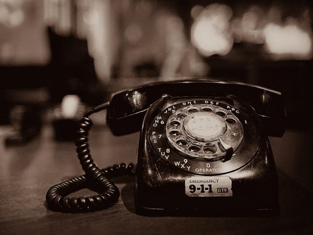 foto gambar telepon jaman dulu