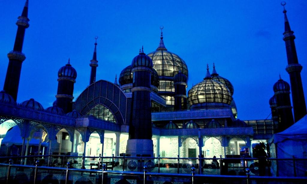3.-Masjid-Kristal-Malaysia