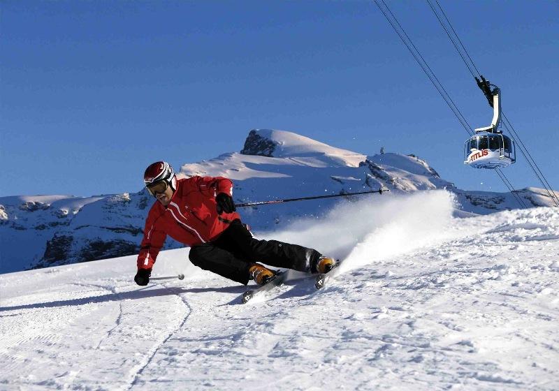 Ski Salju