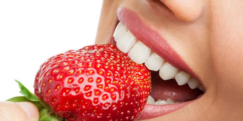 Strawberry Menjadikan Manis dan Cerah Senyumanmu