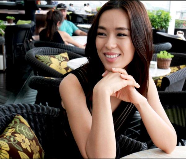 Rebecca Lim Artis Cantik asal Singapura
