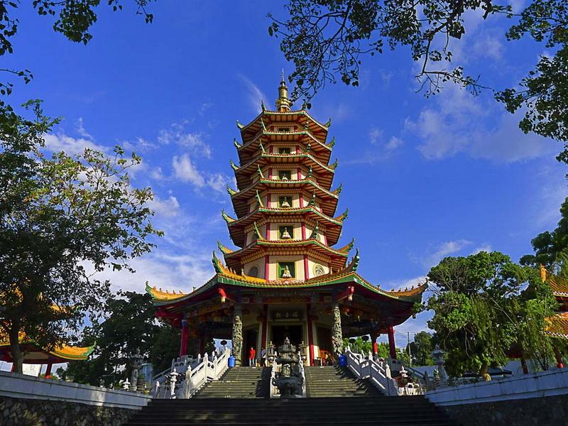 Pagoda Buddhagaya Watugong, Semarang