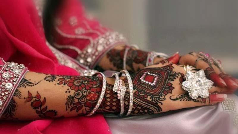 Henna untuk pernikahan