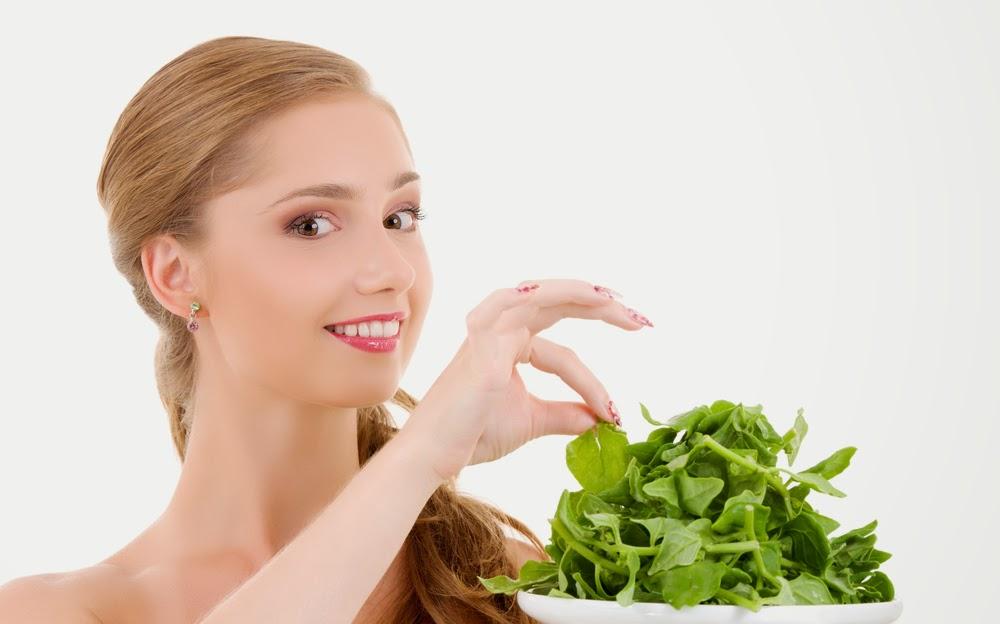 bayam Mengandung antioksidan, zat besi, serta vitamin A, B, C, E, dan K