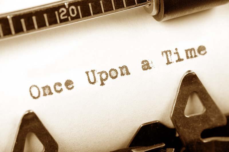 menulis sebuah cerita