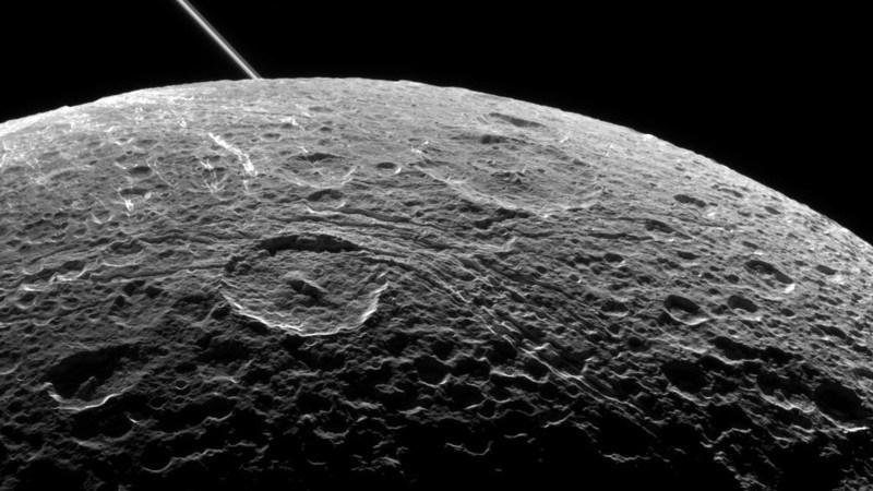 bulan-satelit-bumi