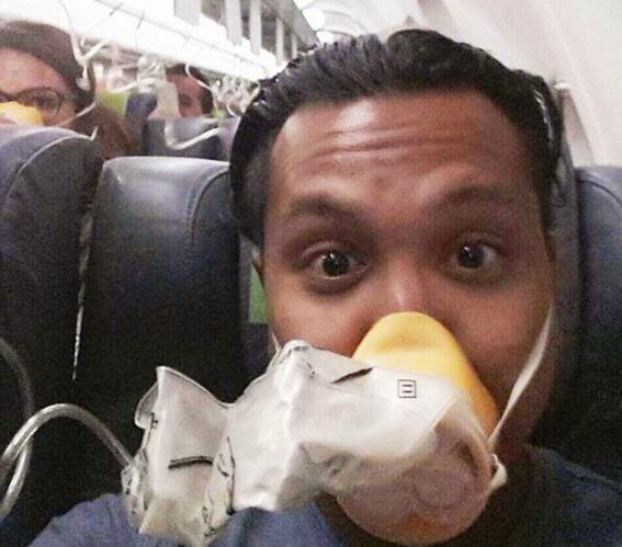selfie saat mendarat darurat