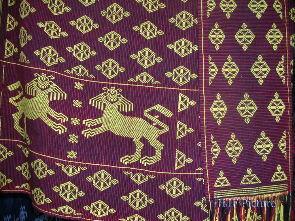 tenun-sumba, Kain Tenun Tradisional
