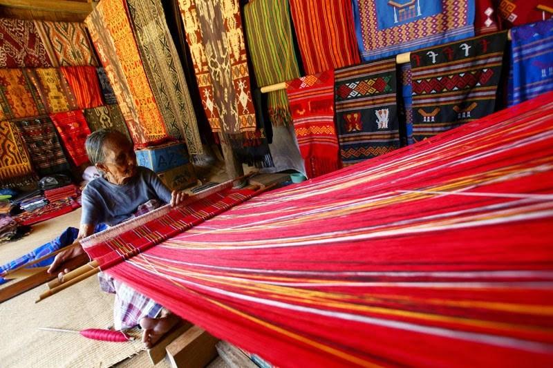 tenun-toraja, Kain Tenun Tradisional Asli Indonesia