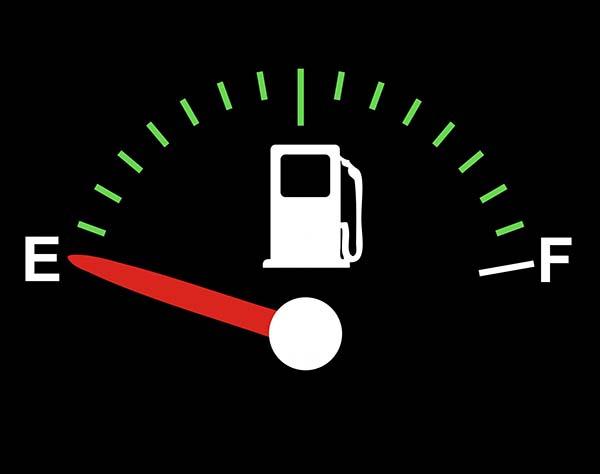 Cek tangki bensin