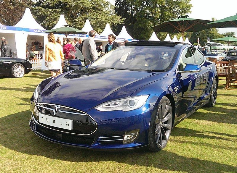 Tesla Model Sp85D