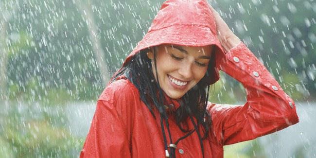 fakta-air-hujan-terhadap-rambut