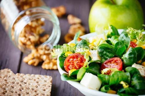 Sayuran kaya serat dan buah segar adalah pilihan terbaik untuk tubuh