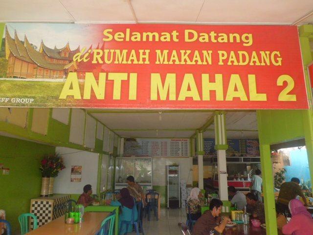 Nggak usah gengsi-gengsian pilih tempat makan