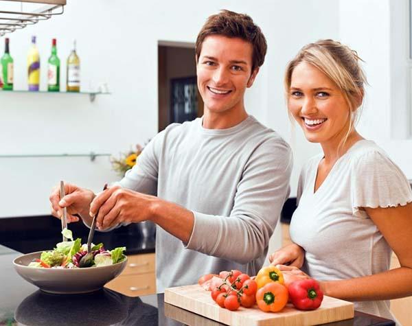 memasak bareng pasangan