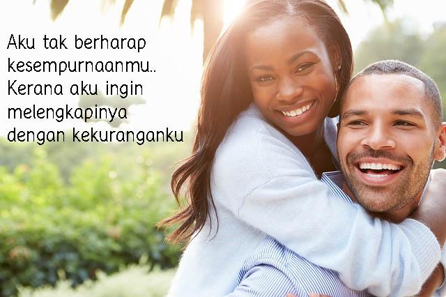 Gambar Kata Romantis, Cinta Saling Melengkapi