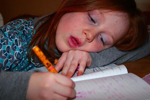 Menulis Itu Membosankan