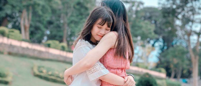 5 Kiat Menghibur Teman yang Lagi Sedih