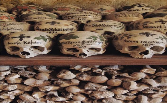 Permalink to Tempat-Tempat Unik dengan Tulang Belulang Manusia Sebagai Hiasannya