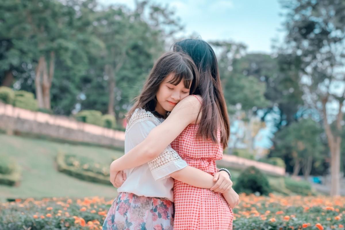 Permalink to 5 Kiat Menghibur Teman yang Lagi Sedih